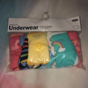 Old Navy toddler 7 pack underwear 4/5T New